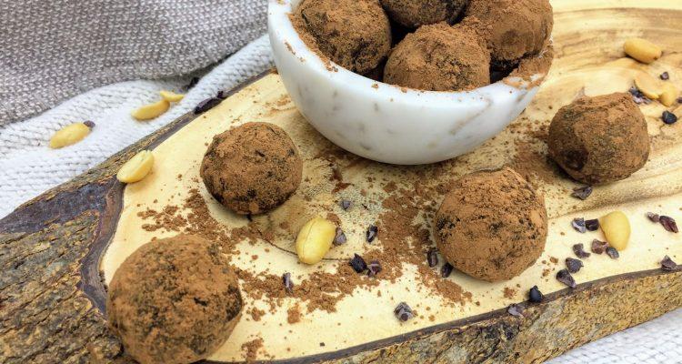 Recipe – No Bake Carob Mini Energy Bites